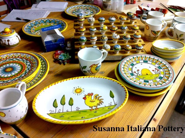 Maiolica knobs, plates, cups