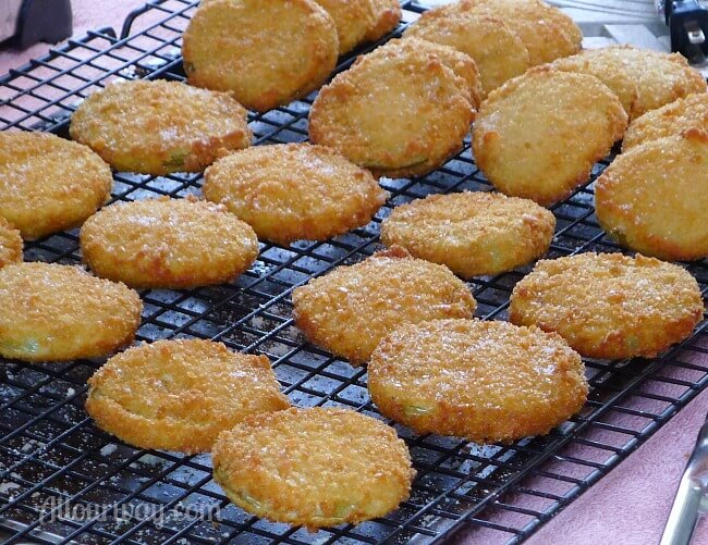 Crunchy Fried Green Tomatoes breaded with Panko Crumbs at allourway.com
