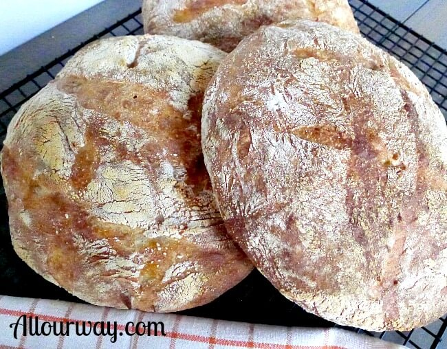 Pugliese bread a rustic Italian loaves made with durum flour @ allourway.com