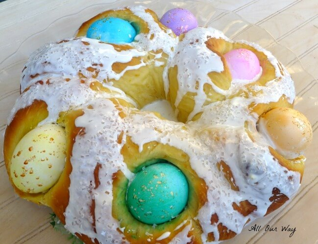 Italian Easter Bread With Eggs