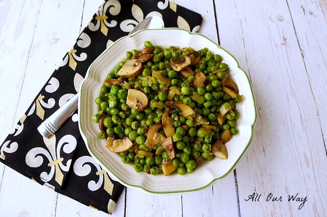 Italian Peas with mushrooms, onions, garlic and Tuscany Seasoning @allourway.com