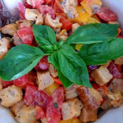 Panzanella {Italian Bread Salad}