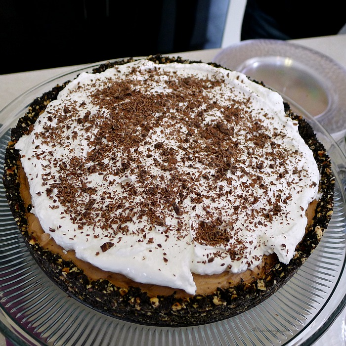 An Exceptional Thanksgiving Menu with a Deep Dish French Silk Pie with Hazelnut Oreo Cookie crust @allouway.com