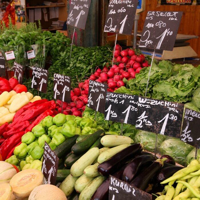 Italian Farmers Market selling seasonal vegetables for Chicken Minestrone @allourway.com