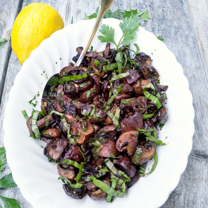 Lemon Herb Roasted Mushrooms Recipe with an Italian flavor @ Allourway.com