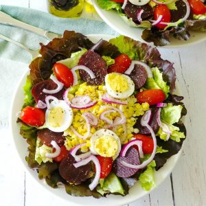 Unbeatable Beet Salad with Hickory Balsamic Vinaigrette @allourway.com
