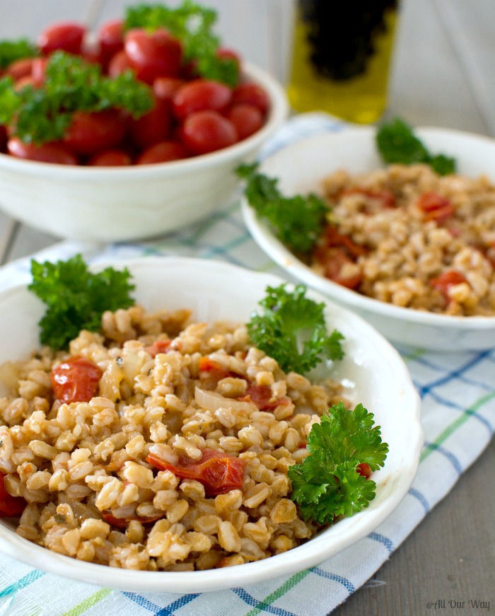 One-Pan Italian Farro with Tomatoes ready to eat @allourway.com
