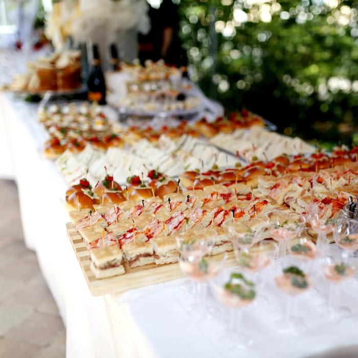 Quick Italian Wedding Soup with Meatballs, a typical Italian wedding buffet @allourway.com
