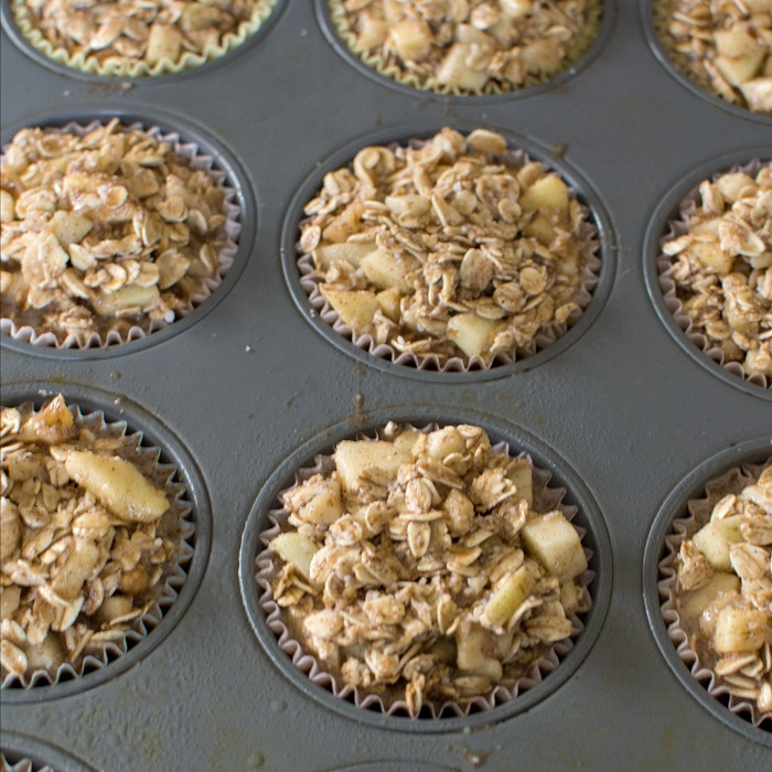 Cinnamon Apple Oatmeal Breakfast Muffins are ready to bake @allourway.com