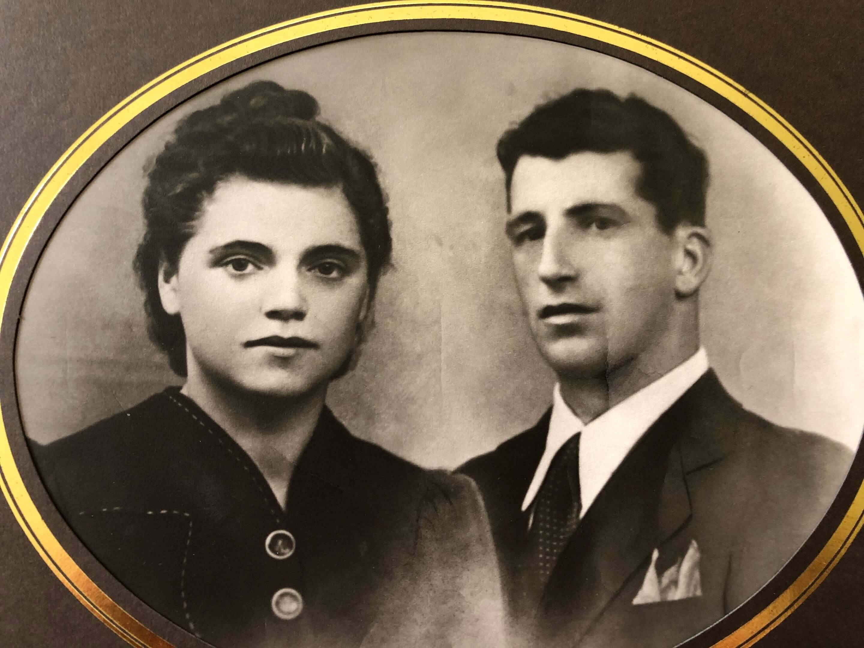 Old fashion black and white photo of an Italian couple